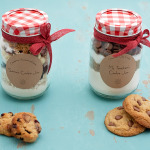Christmas Gift Idea- Cookie Mix in a Jar